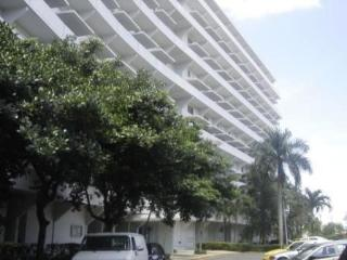 Monte Mall Hato Rey - Studio w/Pool  - Low Rates!! - San Juan vacation rentals