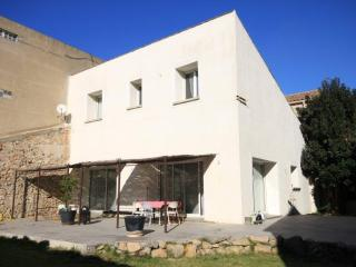 Stunning 4 bedroom home in centre of Narbonne - Narbonne vacation rentals
