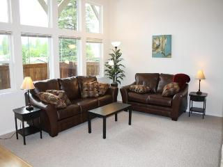 Bright new condo - Near downtown, lake and parks!, Sandpoint