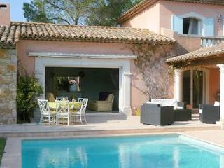 High level standing villa in St Raphael 0160 - Castillon-du-Gard vacation rentals