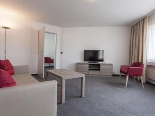 EMA House Serviced Apartment, Sihlfeldstr.127, 1BR, Zurich
