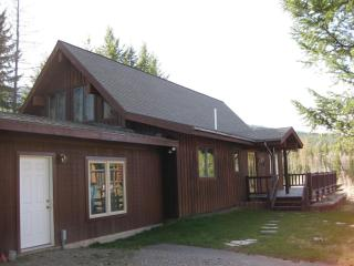 West Glacier Park, 3 BR,  Flathead River, FABULOUS - Hungry Horse vacation rentals