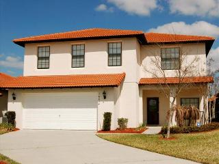 Exclusive Mediterranean Pool home in Gated High Grove Community with 4 beds and 2.5 baths., Clermont