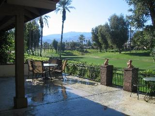 Palm Desert 3 bed 2 bath condo Monterey CC VIEWS