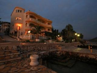 Villa 4 in Grebastica 10m from