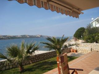 Apartment Nena, 5m from the be, Novalja