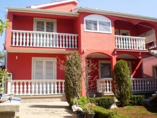 Apartment Lucy for 7 persons B, Bibinje