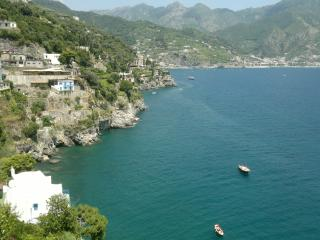 Holiday apartment with  balcony and parking, Ravello