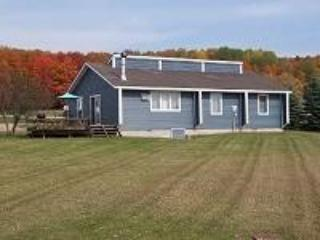 3 Bedroom, 2 Bathroom, Unit 26 - Image 1 - Petoskey - rentals