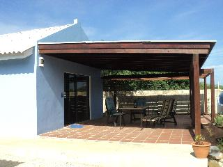 Good accessible freestanding studio, large terrace - Kralendijk vacation rentals