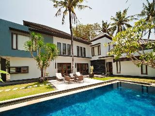 Light and spacious 4 bedroom villa in Sanur - Sanur vacation rentals