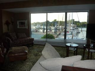 Nautical Newport: Great Holiday Season Rental! - Annapolis vacation rentals