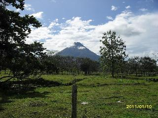 Charming 2Bd Apt w/ Beautiful Arenal Volcano View! - La Fortuna de San Carlos vacation rentals