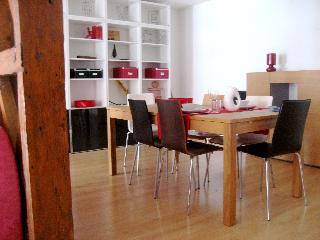 Spacious 2bd Ap @Baixa heart Lisbon - Lisbon vacation rentals