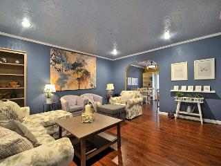 3BR/2BA North Austin Oasis, Just North of Town!  Fall Discounts