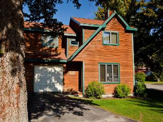 4 bedroom S. Cache condo - Convenient Jackson Hole Location!