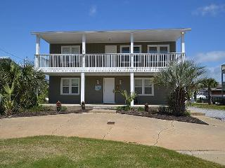 5 Bedroom House located on the Canal with two Boat Slips..., Destin