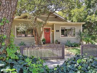 2BR Upper East Luxury Craftsman Cottage, Minutes to Downtown, Santa Barbara