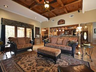 3BR/2BA Lakeway Golf Course Home Minutes From Lake Travis!