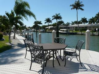 Boater's getaway w/ direct access to the Gulf of Mexico & hot tub, Marco Island