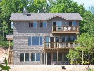 Door County Beach Retreat, Borders the Whitefish Dunes State Park - Jacksonport vacation rentals