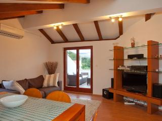 Luxury penthouse with terrace and sea view, Stari Grad