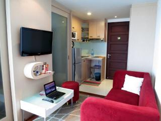 Modern apartment in Patong center with pool+gym