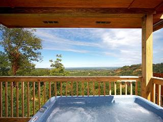 January from $89!!! Log Cabin w/ Hot Tub, Pool Table, 60' TV, WiFi, & Views., Sevierville