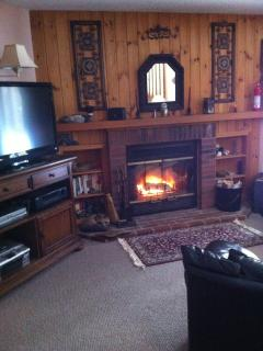 Loon Mountain NH  Riverfront condo + Fireplace, Lincoln