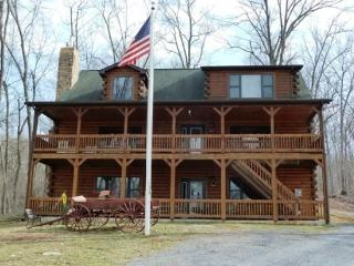 Franklin Manor_luxury log home on 18 acres and close to local attractions!!!!, Front Royal