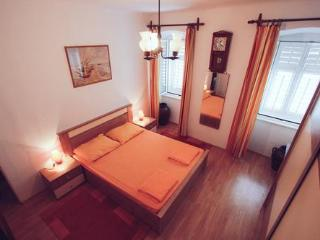 Charming marine style apartment, Cres