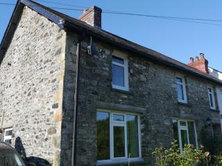 Beautifully Renovated Cottage in Brechfa Area