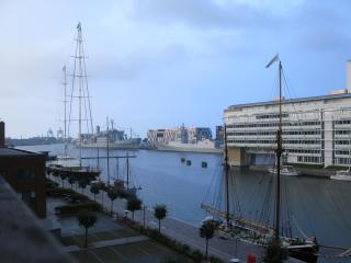 Apt. in the heart of CPH with amazing habour view, Oesterbro