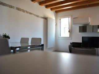 Charming apartment in Dorsoduro, Veneza