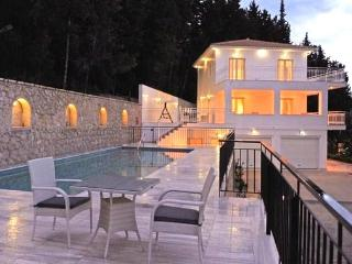 villa fountain of life in perigiali lefkada greece, Oichalia