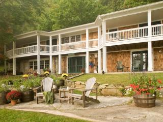 The Lakehouse, Cashiers NC 5 Bedroom/4Bath