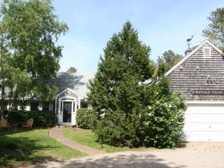 Quintessential Cape Cod Vacation Home in N.Chatham