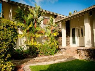 15% off  July & Aug Dates!! Beautiful Home near Queen's Bath with Ocean Views, Princeville