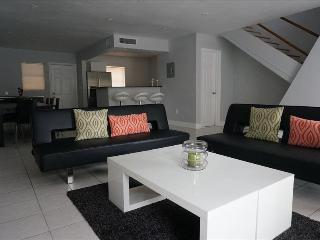 TH3- Townhouse in Miami Beach –3BR, with large Patio area, 10 min walk to the Beach - Miami Beach vacation rentals