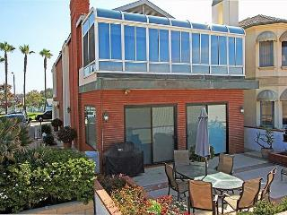 Elegant 2 Story Oceanfront Single Family Home! Beautiful Views! (68230), Newport Beach