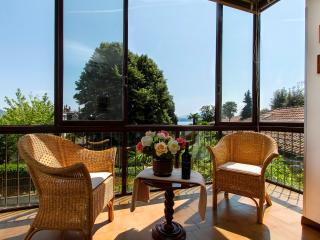 Stresa Rampolino apartment 30 meters from lake