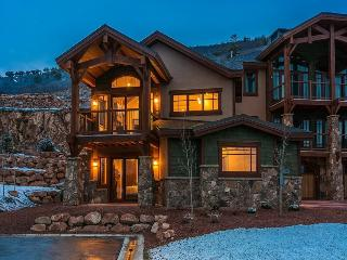 Fairway Villa 6 at Canyons Resort with Full Access to The Miners Club, Four Bedrooms and Family-Friendly, Park City