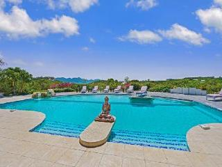 Sol e Luna - Stunning villa with air conditioning, pool & spectacular view, Terres Basses