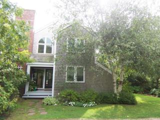 158 - Great Space and Privacy and Close to Town, Edgartown