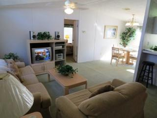 Affordable 2 Bedroom Home in Palm Key, Davenport