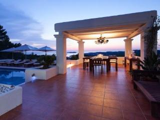 TAR80002 - Cala Tarida vacation rentals