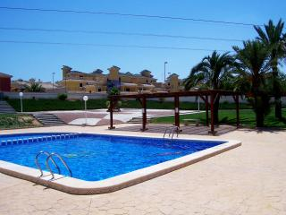 Great Property With Communal Pool Air-Con Wi-Fi, Algorfa