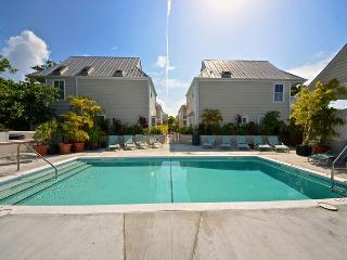 'ARTIST HOUSE @ DUVAL SQUARE' Key West Condo w/ Shared Pool & Pvt Parking