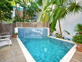 ABSOLUTELY PARADISE - Luxury Home w/ Pvt Pool Just 1 Block To Duval St, Key West