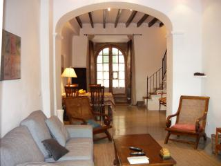 Stone house renovated in its original essences, Soller